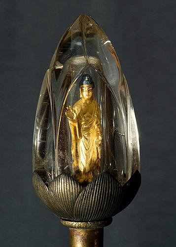 Tượng A Di Đà được bọc bằng thuỷ tinh quý hiếm trưng bày tại đền thờ ở Kyoto