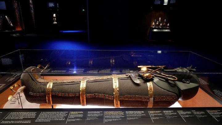 Ai Cập phục hồi thùng vàng của Pharaoh Tutankhamun