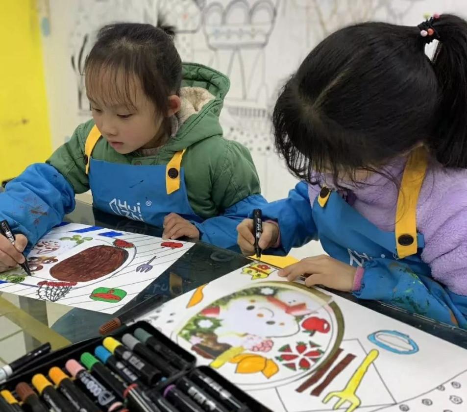 Trung tâm học tập nghệ thuật tư nhân Zhizhi tổ chức giáo dục cho giáo dục nghệ thuật cho trẻ em tại Nhật