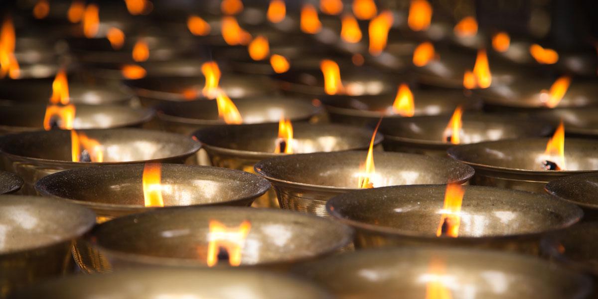 Ý nghĩa và sử dụng nến trong thực hành tâm linh