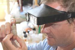 Tìm thấy bức tượng thạch cao giá rẻ 5.000 năm tuổi