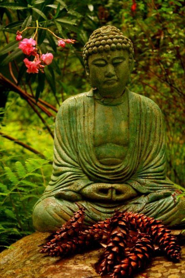 Khu vườn nhà bạn là nơi lý tưởng để trang trí tượng nghệ thuật