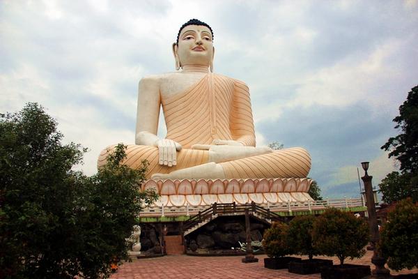 10 cử chỉ tay thường gặp của Đức Phật chúng ta đã gặp ở đâu đó