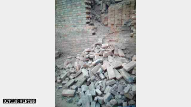 Cáccơ sở sản xuấttượng Phật bị phá hủy ở Hà Bắc