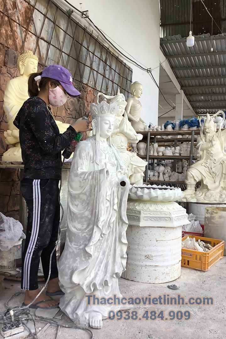 Thạch cao Viết Linh cung cấp dịch vụ sơn sửa tượng phật toàn diện.