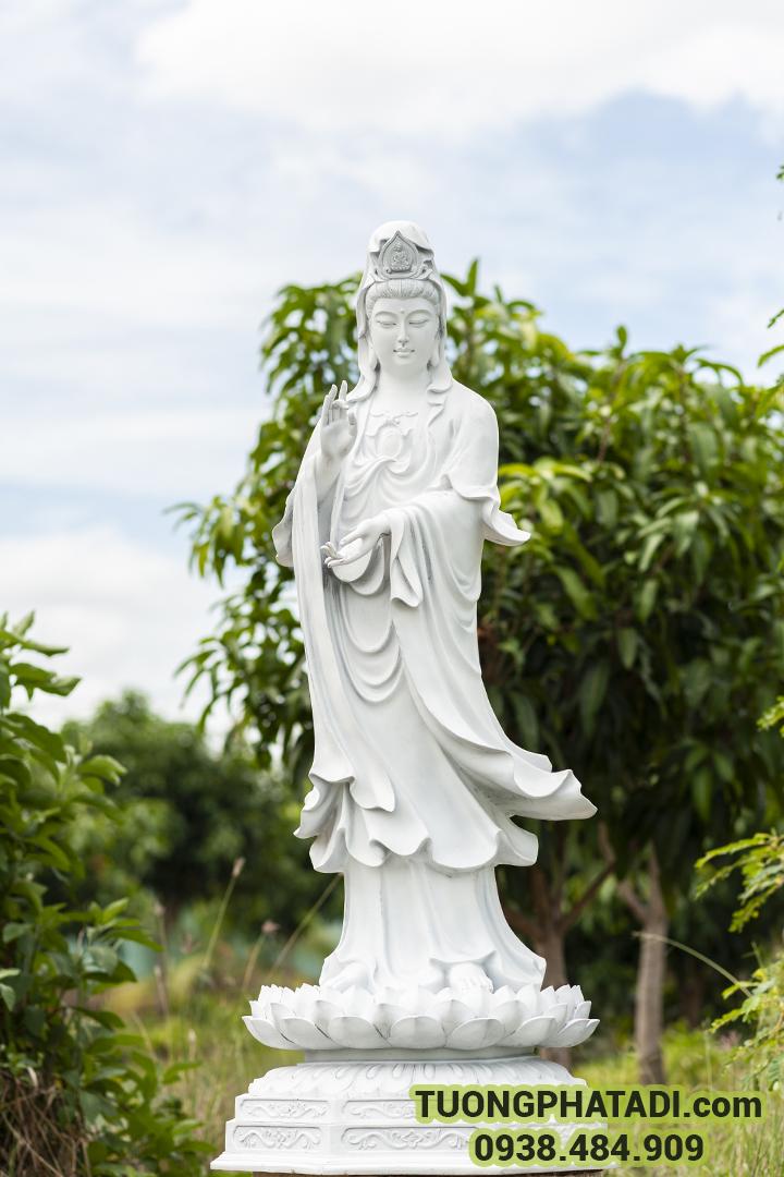 Tượng mẹ quán thế âm, Mẹ và Nữ thần của lòng từ bi