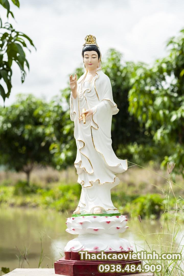 Mẹ Quán Thế Âm Bồ Tát, Người Mẹ từ bi nhân hậu.