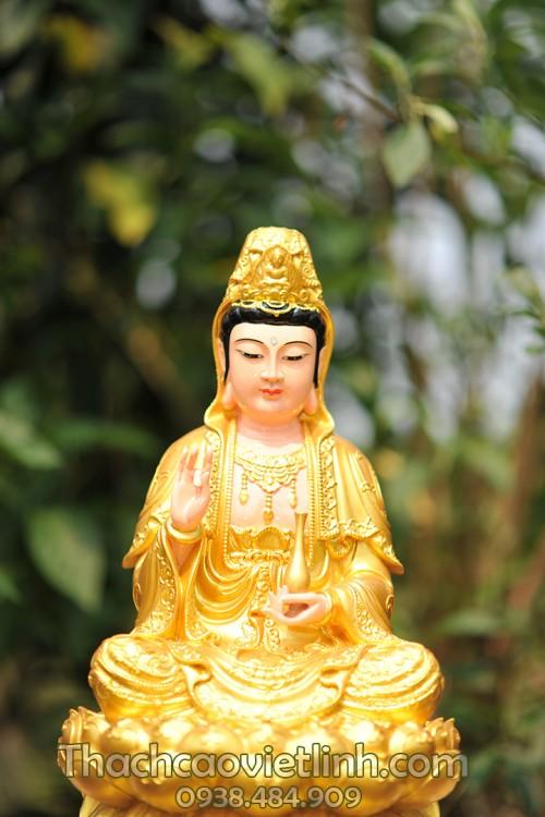 Quan Âm Bồ Tát lần đầu tiên được đưa vào Trung Quốc vào đầu thế kỷ 1 sau Công nguyên